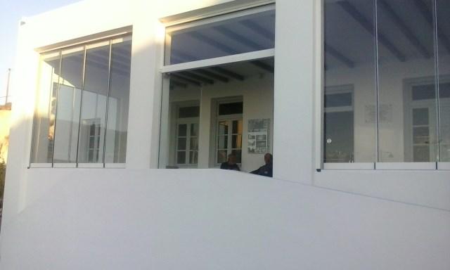 Επάλληλλα τζάμια Door Slide
